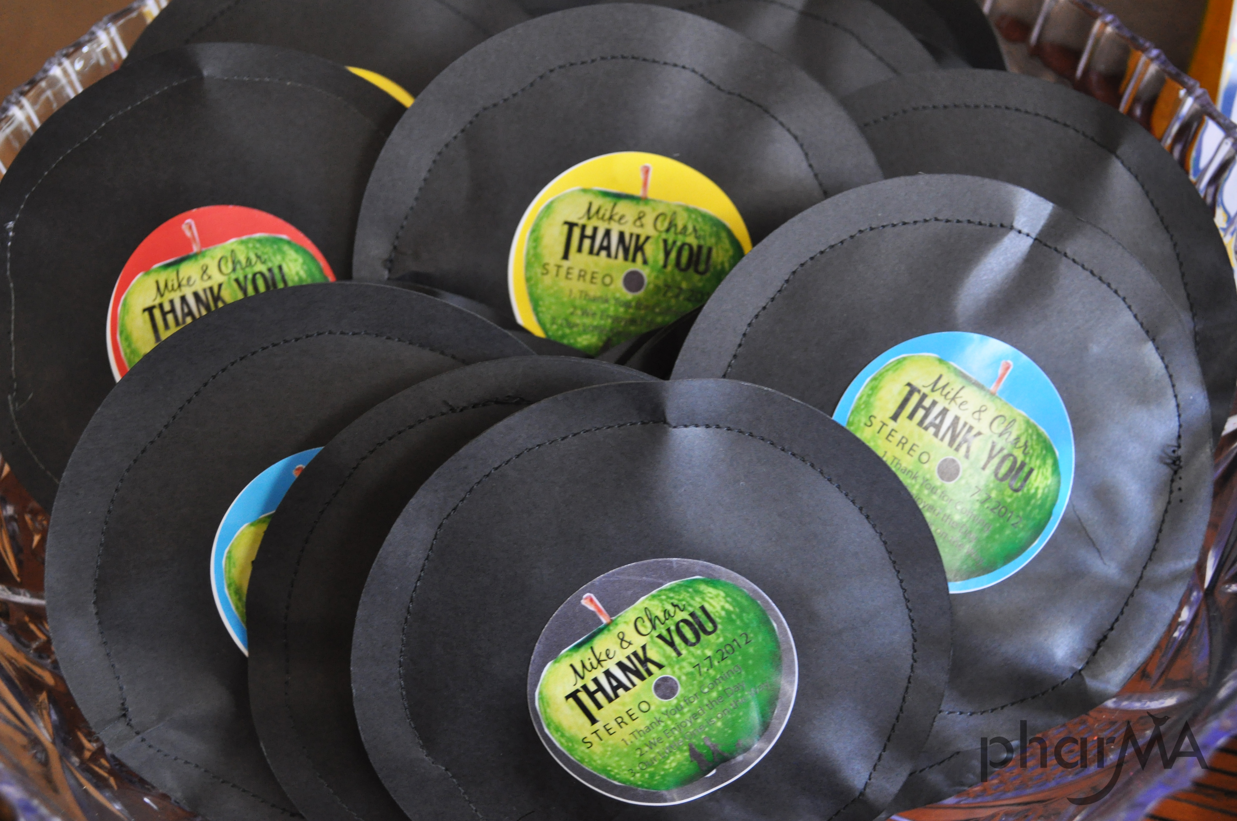 Beatles diy party record party favors music party for Party accessoires